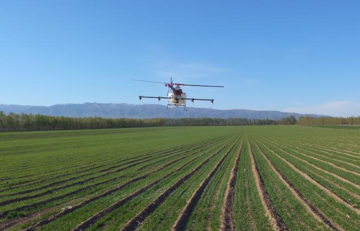 农业农村部负责人就《农作物病虫害防治条例
